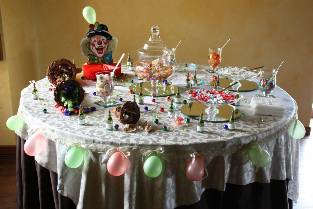 Ricevimenti Catania : Villa Giuffrida L'angolo delle caramelle, cioccolatini e bolle di saponeL'angolo delle caramelle, cioccolatini e bolle di sapone